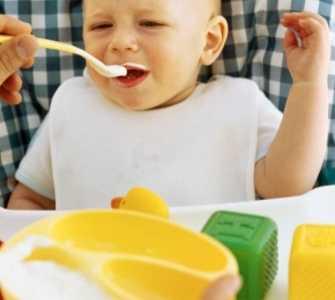 如何给宝宝添辅食 合理给宝宝添加辅食