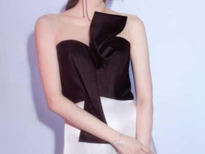 抹胸裙怎么穿 却甜美得让人骨头都看酥了