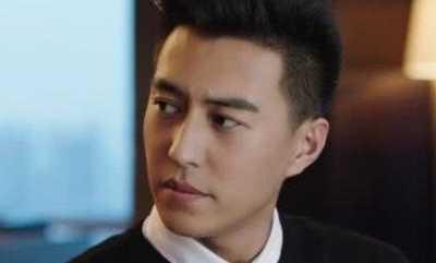 演员李佳 43岁靳东不仅是个演员