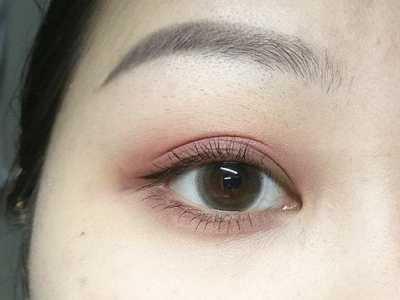 如何化妆使眼睛变大 告诉你实用的化妆方法